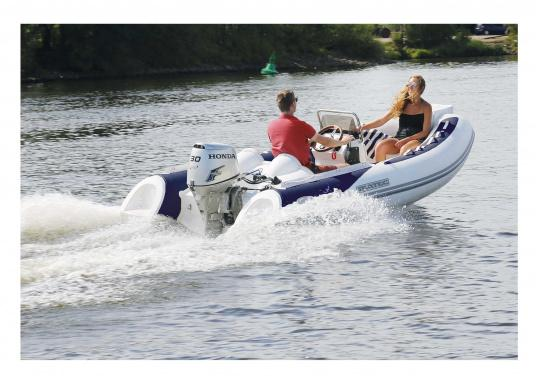Performance, safety and comfort: the SEATEC GT SPORT 410 is the ideal product for all true water sports enthusiasts. Whether for fishing, waterskiing, touring or diving - the GT SPORT 410 offers the best of all worlds! (Imagen 3 de 5)