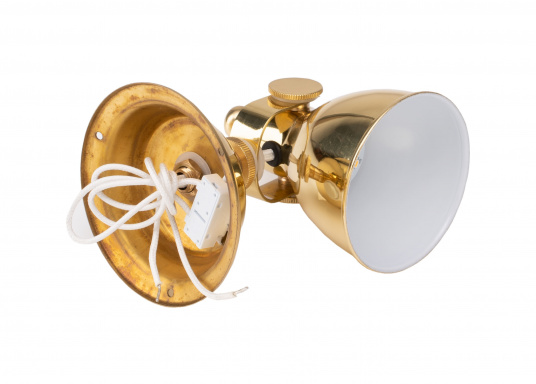 The highly polished brass housing gives this LED wall spotlight a stylish look. The reflector has a white coating on the inside for greater light emission. The lamp head can be swivelled. (Afbeelding 6 of 6)