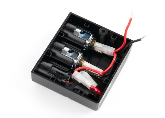 Surface mounted quadruple power socket with 2 USB sockets as well as 2 cigarette lighter sockets. The sockets are operated with 12-24 volts and have an integrated voltage regulator. (Afbeelding 3 of 3)