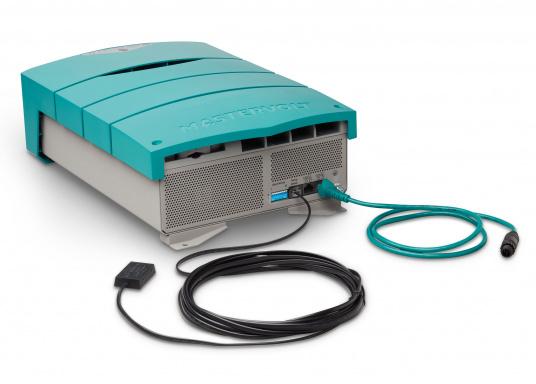ChargeMaster PLUS CZone ist die nächste Generation der Batterieladegeräte, die zahlreiche Funktionen in einem Gerät vereint.Anzahl der Batterieausgänge: 2 + 1. Ladestrom insgesamt: 75 A. (Bild 7 von 9)