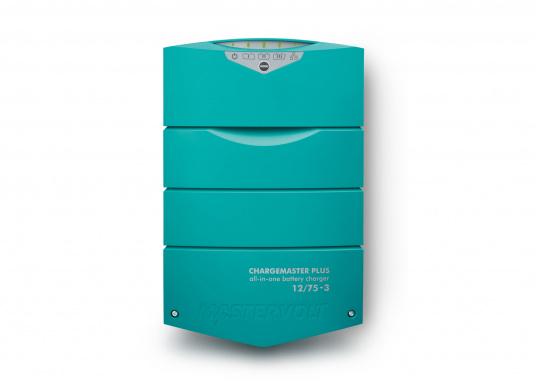 ChargeMaster PLUS CZone ist die nächste Generation der Batterieladegeräte, die zahlreiche Funktionen in einem Gerät vereint.Anzahl der Batterieausgänge: 2 + 1. Ladestrom insgesamt: 75 A. (Bild 2 von 9)