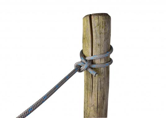 Modernstes Tauwerk-Design gepaart mit traditioneller Seilereitechnik. Der neue DockFlex Festmacher spielt seine Stärken in unruhigen Häfen mit starkem Schwell aus.  (Bild 3 von 3)