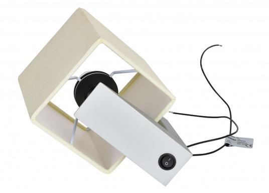 Formschöne Wandleuchte mit satinierter Edelstahl-Halterung. Der viereckige Stofflampenschirm sorgt für ein angenehmes Licht im Raum. Mit Ein-/Aus-Schalter. Betriebsspannung: 24 V. (Bild 2 von 3)