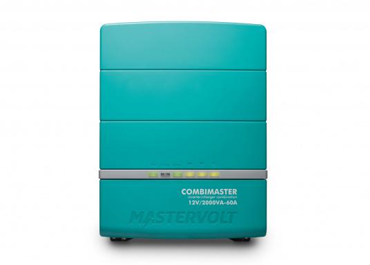 Die Mastervolt CombiMaster Serie vereint leichte Bedienung, Zuverlässigkeit und modernste Lade- sowie Netzwerktechnik. Für die leistungsstarken CombiMaster Geräte sind anspruchsvolle Anwendungen und höhe Ströme kein Problem.Dank der integrierten MasterBus-, CZone- und NMEA2000 Schnittstelle ist die CombiMaster Serie mit nahezu allen aktuellen Netzwerktechniken und Endgeräten kompatibel. (Bild 2 von 9)