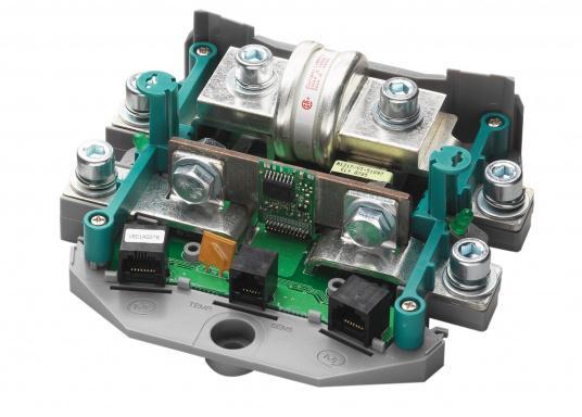 Il kit comprende MASTERVOLT MasterShunt 500 (CZone e NMEA2000) e EasyView 5. (Immagine 3 di 13)