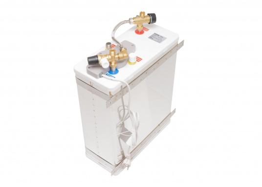 Der Warmwasserboiler SQUARE besteht aus rostfreiem Edelstahl und verfügt über einen integrierten Heizstab (230 V - 750 W), ein Mischventil und einer Polyurethan-Dämmung. (Bild 2 von 4)