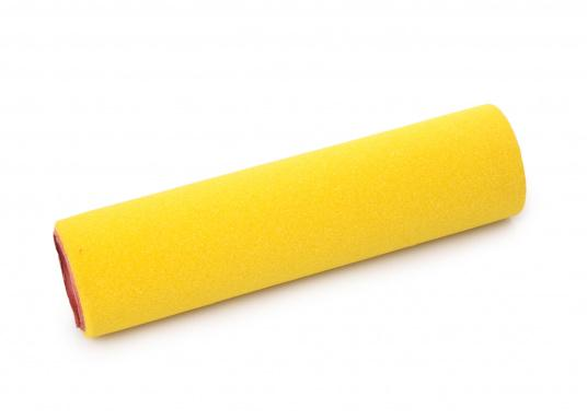 Diese Wechselrolle ist eine speziell für Epoxidharz-Beschichtung entworfene hochdichte Polyurethan-Schaumrolle. Die Rollenbreite von 175 mm erlaubt einen raschen und gleichmäßigen Auftrag des Harzes. Die Rolle kann auch für den jeweiligen Auftrag gekürzt werden. (Bild 2 von 2)