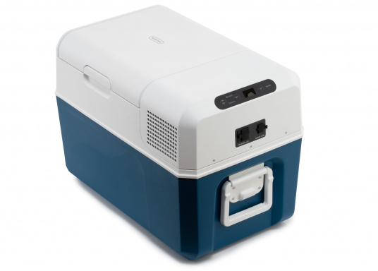Cool your food and beverages easily, quickly and reliably with the powerful and compact MCF32 compressor cooler. Variable temperature setting from +10°C to -10°C, reaches the set temperature quickly, user-friendly control panel, digital temperature display. Net capacity: 31 litres. (Image 5 of 8)