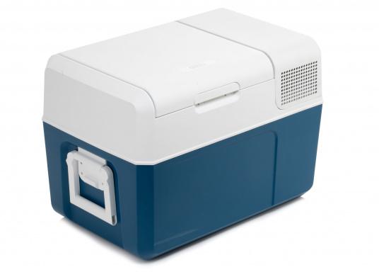 Gardez la nourriture et les boissons facilement, rapidement et sûrement disponibles avec cette glacière à compresseur compacte MCF60. Le turbo-compresseur efficace et silencieux peut gérer des températures de -10° à +10°, réglables sur un panneau de commande digital. Volume net : 58litres. (Image 4 de 9)