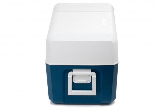 Gardez la nourriture et les boissons facilement, rapidement et sûrement disponibles avec cette glacière à compresseur compacte MCF60. Le turbo-compresseur efficace et silencieux peut gérer des températures de -10° à +10°, réglables sur un panneau de commande digital. Volume net : 58litres. (Image 5 de 9)