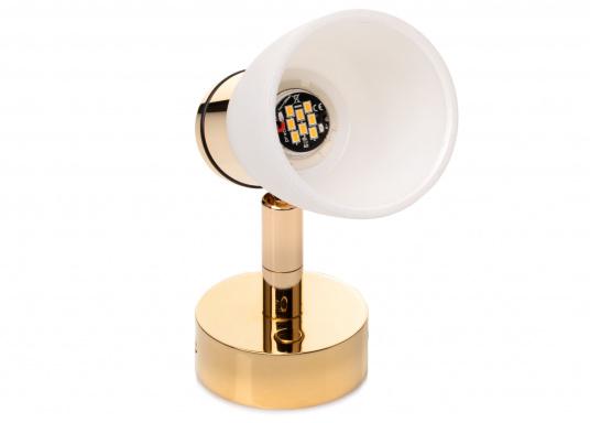 """Die hochwertige LED-Wandleuchte R1-1 von PREBIT überzeugt mit hellem und angenehm, warmweißen Licht sowie integrierter Dimmfunktion """"Dim2Warm"""" und Memoryfunktion. Farbe: gold-glänzend mit kreideweißem Glas."""
