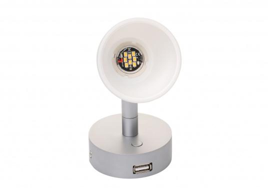 """Die hochwertige LED-Anbauleuchte R1-1 von PREBIT überzeugt mit hellem und angenehm, warmweißen Licht sowie integrierter Dimmfunktion """"Dim2Warm"""", Memoryfunktion und USB-Ladebuchse. Farbe: chrom-matt mit satiniert-weißem Glas. (Bild 3 von 5)"""