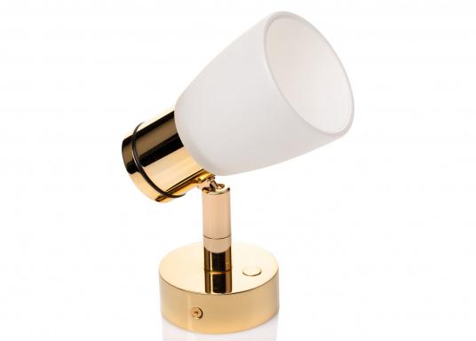 """Die hochwertige LED-Wandleuchte R1-1 von PREBIT überzeugt mit hellem und angenehm, warmweißen Licht sowie integrierter Dimmfunktion """"Dim2Warm"""" und Memoryfunktion. Farbe: gold-glänzend mit satiniert-weißem Glas."""