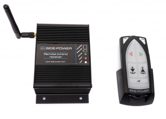 Telecomando adatto a tutti i sistemi Side-Power con controllo a 4 fili realizzati dall'anno 2000. Completo di stazione base. (1 trasmettitore, 1 ricevitore). Connettore pronto per il collegamento (Plug and play).