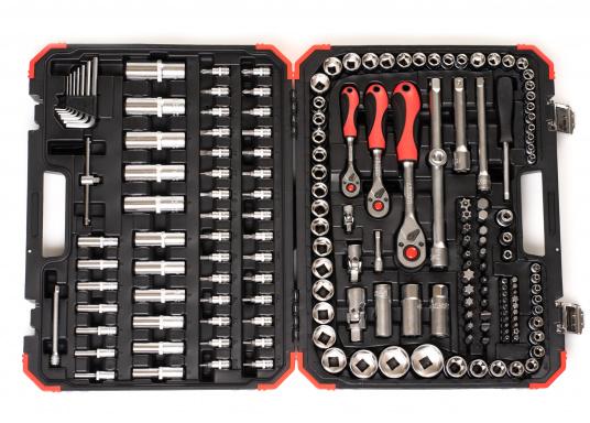 Der Werktzeugkoffervon GEDORE lässt Sie in keiner Situation im Stich! Dank seiner 172 Teile haben Sie immer das passende Werkzeug parat.