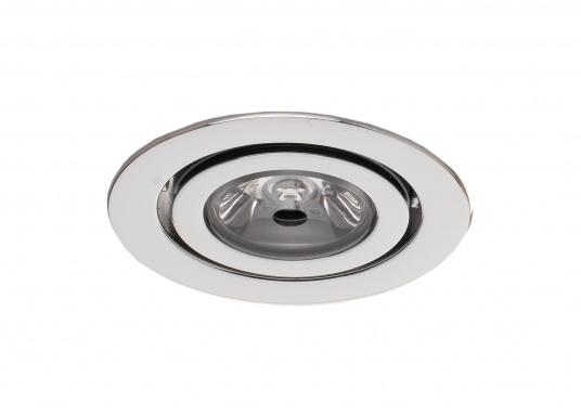 Die LED-Innenbauleuchte PHOENIX B ist dank des modernen Designs ein richtiger Hingucker. Sie sieht nicht nur schick aus, sondern erzeugt auch mit ihrer warmweißen Lichtfarbe eine angenehme Atmosphäre. Mit ihrer Schwenkfunktion lässt sich das Licht individuell verstellen. Ebenfalls bietet diese spezielle Leuchte eine einfache Montage sowie ein robustes Gehäuse aus verchromtem Messing.