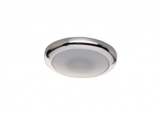 Die LED-EinbauleuchtePYXIS-Rist dank ihrem modernen Design ein richtiger Hingucker. Sie sieht nicht nur schick aus, sondern erzeugt auch mit ihrer warmweißen Lichtfarbe eine angenehme Atmosphäre. Ebenfalls bietet diese spezielle Leuchte eine einfache Montage sowie ein robustes Gehäuse aus verchromtem Messing.