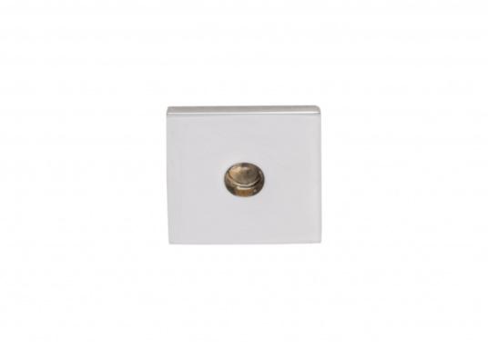 Die LED-Einbauleuchte APUS S ist dank des modernen Designs ein richtiger Hingucker. Sie sieht nicht nur schick aus, sondern erzeugt auch mit ihrer warmweißen Lichtfarbe eine angenehme Atmosphäre. Ebenfalls bietet diese spezielle Leuchte eine einfache Montage sowie ein robustes Gehäuse aus verchromtem Messing. (Bild 2 von 3)
