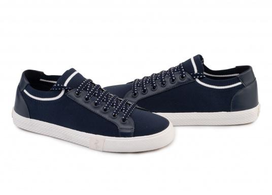 Die leichteste Art, bequem zu gehen. Der super trendige und innovative Damen Sneaker SWAN bietet neben hohem Tragekomfort auch einen sicheren Stand. Ausgestattet mit einer Laufsohle aus Gummi und Stretchmaterial. (Bild 2 von 4)