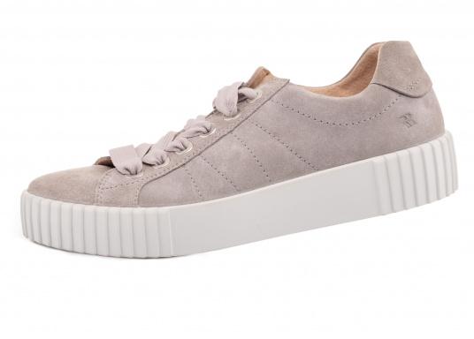 Der moderne Damen-Sneaker MONTREAL 01 besteht aus Premium Veloursleder und verkörpert den angesagten Streetstyle-Look: sportliches Design, sommerliche Farben und eine griffige PU-Laufsohle, die dem Schuh dank des modernen Riffelstils das gewisse Extra verleiht. Die 2-Phasensohle und die einzigartige Gelenkfeder ROMOTION IQ sorgen für ein unvergleichliches Gegefühl.