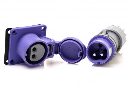 Solide 2-polige Steckverbindung für 12/24 Volt, bestehend aus Stecker und An-/Einbausteckdose. Die Steckverbindung eignet sich besonders gut für die Übergabe hoher Ströme wie beispielsweise für Elektroaußenborder, mobile Kompressoren, leistungsstarke Pumpen etc.. Belastbarkeit max. 32 Ampere.