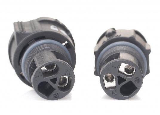 Der 2-polige X-Lok Schnellverbinder lässt sich dank seiner Push & Lock Mechanik schnell verbinden und lösen. Das Einrasten der Steckverbindung wird durch ein hörbares klicken quittiert, so lässt sich der korrekte Sitzt der Verbindung auch bei schwerzugänglichen Montageorten kontrollieren. (Bild 7 von 7)
