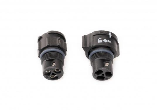 Der 3-polige X-Lok Schnellverbinder lässt sich dank seiner Push & Lock Mechanik schnell verbinden und lösen. Das Einrasten der Steckverbindung wird durch ein hörbares klicken quittiert, so lässt sich der korrekte Sitzt der Verbindung auch bei schwerzugänglichen Montageorten kontrollieren. (Bild 7 von 13)