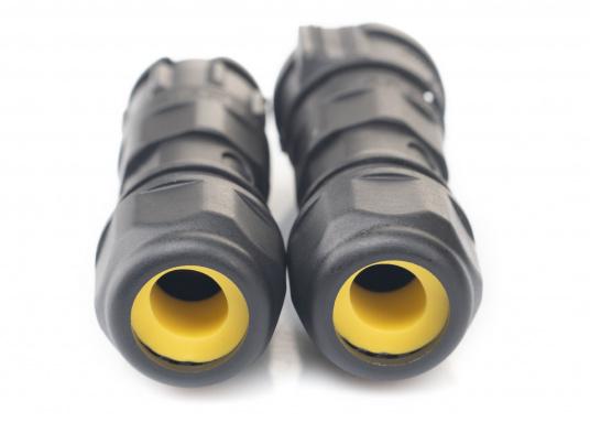 Der 5-polige X-Lok Schnellverbinder lässt sich dank seiner Push & Lock Mechanik schnell verbinden und lösen. Das Einrasten der Steckverbindung wird durch ein hörbares klicken quittiert, so lässt sich der korrekte Sitzt der Verbindung auch bei schwerzugänglichen Montageorten kontrollieren. (Bild 5 von 10)