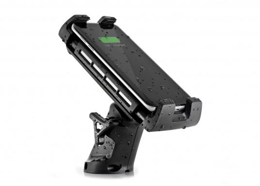 Das Ladegerät EDGE QI ermöglicht ein kabelloses, induktives Laden Ihres Smartphones sowohl über, als auch unter Deck.Geeignet für alle Smartphone-Größen verschiedenster Hersteller.Wasserdicht und UV-beständig. Qi-zertifiziert. Lieferung inklusive Halterung.