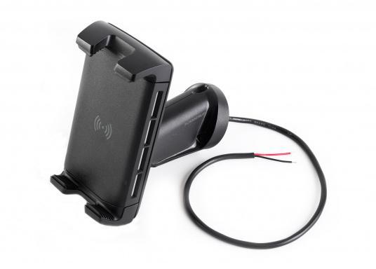 Das Ladegerät EDGE QI ermöglicht ein kabelloses, induktives Laden Ihres Smartphones sowohl über, als auch unter Deck.Geeignet für alle Smartphone-Größen verschiedenster Hersteller.Wasserdicht und UV-beständig. Qi-zertifiziert. Lieferung inklusive Halterung. (Bild 5 von 7)