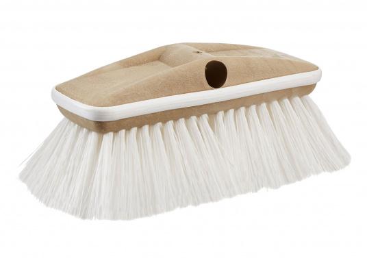 Die hochwertige Deluxe Bürste reinigt dank ihrer gewellten und harten Fasern problemlos den Schmutz auf Ihrer Oberflächen an Bord. Durch einen Gummipuffer werden Ihre Oberflächen gegen Kratzer und Beschädigungen geschützt.
