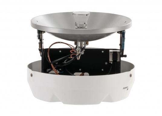 Never miss your favourite show or important sports event on TV again! The fully automatic and self-tracking marine satellite TV antenna from Glomex makes it possible. (Afbeelding 3 of 7)