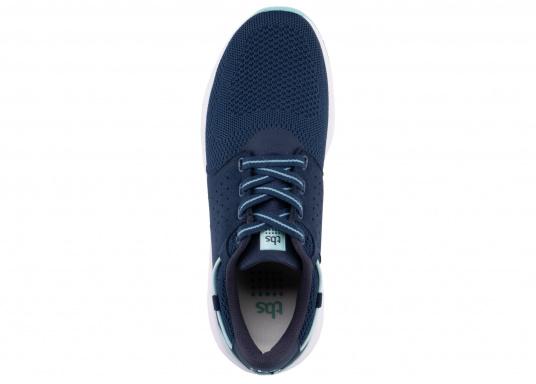 Der Flyknit Schuh CLADELL aus hochwertigem Textil-Material von tbs überzeugt mit sportlichen Form, schickem Design und hohem Tragekomfort. Die Vierpunkt-Schnürung und die stabilen Seiten sorgen für einen festen Stand. (Bild 5 von 7)