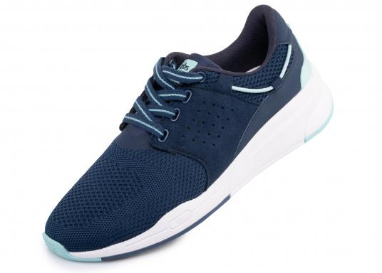 Der Flyknit Schuh CLADELL aus hochwertigem Textil-Material von tbs überzeugt mit sportlichen Form, schickem Design und hohem Tragekomfort. Die Vierpunkt-Schnürung und die stabilen Seiten sorgen für einen festen Stand.