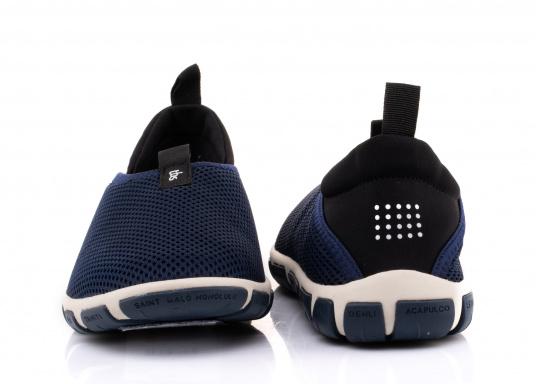Ein absoluter Klasisker von tbs! Der Damen-Slipper JEFFERS besteht aus hochwertigem Textil-Material und verfügt über eine klappbare Rückseite. Dank der Schlaufen ist der Schuh schnell und einfach an- und ausgezogen. (Bild 3 von 6)