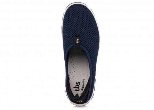 Ein absoluter Klasisker von tbs! Der Damen-Slipper JEFFERS besteht aus hochwertigem Textil-Material und verfügt über eine klappbare Rückseite. Dank der Schlaufen ist der Schuh schnell und einfach an- und ausgezogen. (Bild 6 von 6)