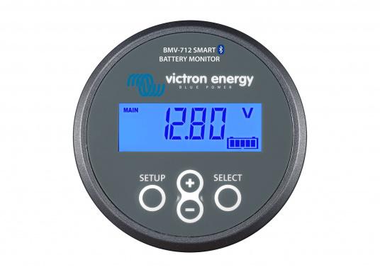 Der hochpräzise Batteriewächter stellt alle wichtigen Bordnetz-Daten, wie Spannung, Strom, Leistung, Ladezustand, Restlaufzeit/Temp. der Verbraucherbatterie sowie die Spannung der Starterbatterie/Mittelpunktsspannung bei einer 24V Batterie-Reihenschaltung dar. Das integrierte Bluetooth in Verbindung mit der VictronConnect App (iOS/Android) ermöglicht Ihnen die Einstellungen bzw. Darstellung der Daten auf dem Smartphone. (Bild 2 von 6)