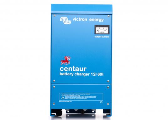 Ein Ladegerät, das überall in der Welt eingesetzt werden kann! Das hochwertige Centaur-Batterieladegerät verfügt über eine Dreistufen-Ladekennlinie sowie eine universelle Aufnahmeleistung und kann bis zu drei separate Batterien gleichzeitig laden. Geeignet für eine Batteriekapazität zwischen 240 und 600 Ah. Ladestrom 60 A.