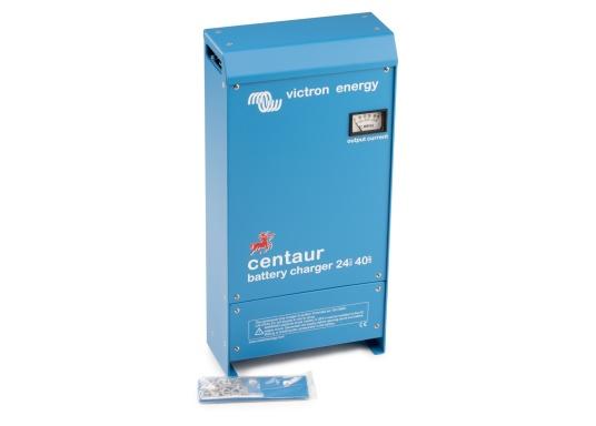Ein Ladegerät, das überall in der Welt eingesetzt werden kann! Das hochwertige Centaur-Batterieladegerät verfügt über eine Dreistufen-Ladekennlinie sowie eine universelle Aufnahmeleistung und kann bis zu drei separate Batterien gleichzeitig laden. Geeignet für eine Batteriekapazität zwischen 160 und 400 Ah. Ladestrom 40 A. (Bild 6 von 6)