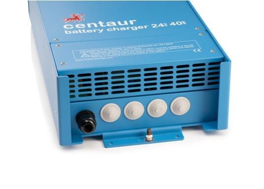Ein Ladegerät, das überall in der Welt eingesetzt werden kann! Das hochwertige Centaur-Batterieladegerät verfügt über eine Dreistufen-Ladekennlinie sowie eine universelle Aufnahmeleistung und kann bis zu drei separate Batterien gleichzeitig laden. Geeignet für eine Batteriekapazität zwischen 160 und 400 Ah. Ladestrom 40 A. (Bild 3 von 6)