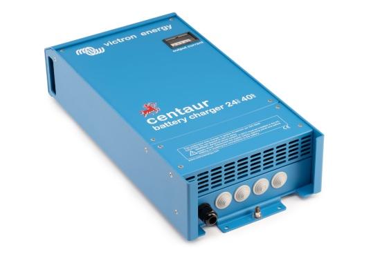 Ein Ladegerät, das überall in der Welt eingesetzt werden kann! Das hochwertige Centaur-Batterieladegerät verfügt über eine Dreistufen-Ladekennlinie sowie eine universelle Aufnahmeleistung und kann bis zu drei separate Batterien gleichzeitig laden. Geeignet für eine Batteriekapazität zwischen 160 und 400 Ah. Ladestrom 40 A. (Bild 2 von 6)