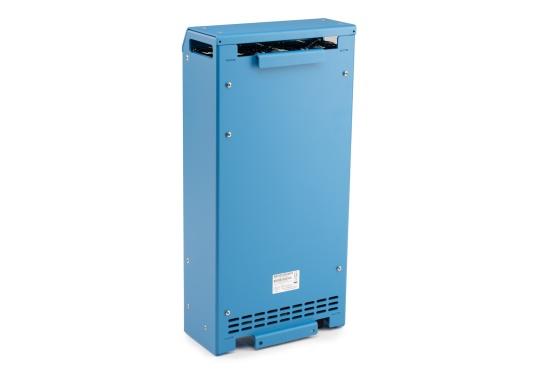 Ein Ladegerät, das überall in der Welt eingesetzt werden kann! Das hochwertige Centaur-Batterieladegerät verfügt über eine Dreistufen-Ladekennlinie sowie eine universelle Aufnahmeleistung und kann bis zu drei separate Batterien gleichzeitig laden. Geeignet für eine Batteriekapazität zwischen 160 und 400 Ah. Ladestrom 40 A. (Bild 4 von 6)