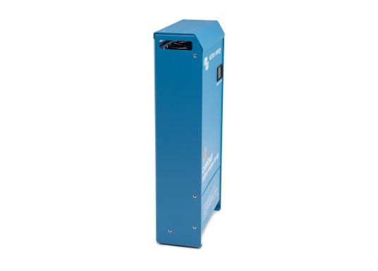 Ein Ladegerät, das überall in der Welt eingesetzt werden kann! Das hochwertige Centaur-Batterieladegerät verfügt über eine Dreistufen-Ladekennlinie sowie eine universelle Aufnahmeleistung und kann bis zu drei separate Batterien gleichzeitig laden. Geeignet für eine Batteriekapazität zwischen 160 und 400 Ah. Ladestrom 40 A. (Bild 5 von 6)