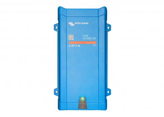 Dieses Gerät vereint einen leistungsfähigen Sinus-Wechselrichter, einen modernen Batterielader, der die 4-stufige, von VICTRON entwickelte adaptive Ladetechnologie nutzt und einen flinken Wechselspannungsquellen-Transferschalter in einem kompakten Gehäuse. Zusätzlich zeichnet sich das Gerät durch seine bewährte Zuverlässigkeit aus, es ist kurzschlusssicher und vor Überhitzung geschützt.