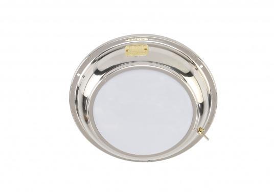 Für mehr Gemütlichkeit! Diese schöneDeckenleuchte ANNE aus Edelstahl spendetsanftes Licht und istso optimal für gemütliche Stunden an Bord geeignet. Mit Ein/Aus-Schalter. Lieferung inkl. 2 Watt G4 LED-Lampe. Multivolt: 10-30 V. (Bild 2 von 4)