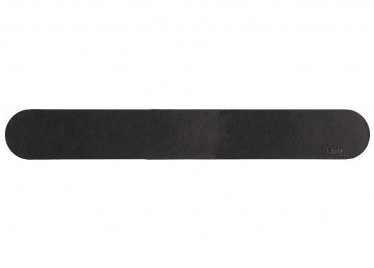 Questa striscia magnetica consente un facile e intelligente stoccaggio dei bicchieri e degli oggetti magnetici di bordo. Gli occhiali stanno / pendono sicuri sul tappeto anche quando le onde scuotono la barca. (Immagine 15 di 16)