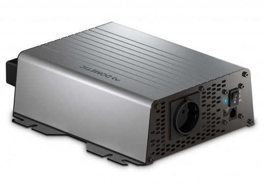Die Wechselrichter der SinePower DSP Serie liefern eine reine Sinusspannung, die selbst empfindliche 230-Volt-Geräte, wie zum Beispiel Fernseher, optimal versorgt. Eingang: 12 V. Ausgang: 230 V. Dauerleistung: 1000 W.