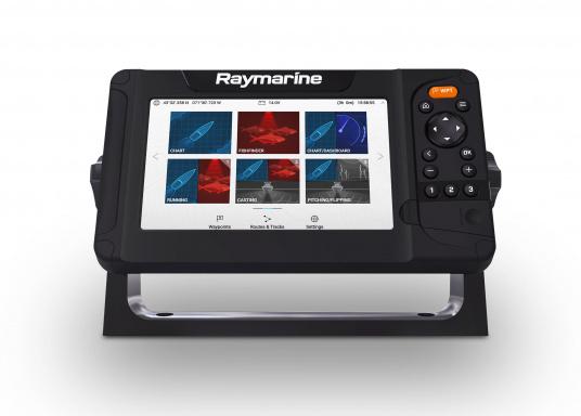 """Smartes 7""""-Multifunktionsdisplay mit, integrierter GPS-Antenne und eingebauten Sonarmodul.Auf einen Touchscreen wurde bei diesem Raymarine Plotter bewusst verzichtet, da die klassische Tastenbedienung in Verbindung mit der Raymarine LightHouse Sport Oberfläche auch bei schnellen Fahrten und starken Seegang für eine intuitive und präzise Bedienung des Gerätes sorgt.Dank des CPT-100 DVS Gebers finden Sie mittels der DownVision und CHIRP Ansicht im Handumdrehen. (Bild 3 von 7)"""