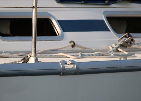 Originales Endstück für die Relingsschiene auf Ihrer Yacht von BAVARIA. Dieses Endstück wurde zwischen 1998 und 2013 verbaut. (Bild 6 von 7)