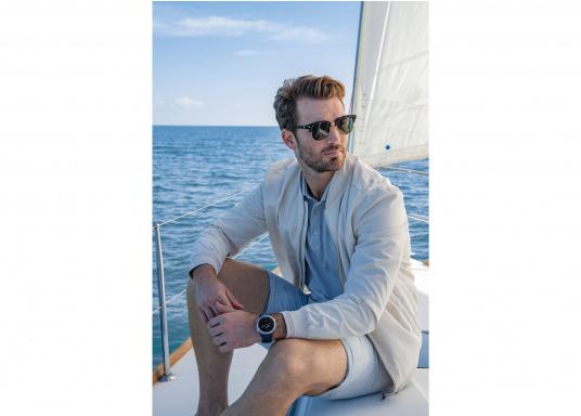 Die Garmin quatix 6 setzt neue Maßstäbe für GPS Marine Smartwatch Uhren. Die Unterstützung von BlueChart g3 Seekarten, sowie Datenstreaming von Ihrem kompatiblen Garmin Seekartenplotter, bishin zur Autopilotsteuerung sind nur einige der Features. Bewährte Funktionen der Garmin Fenix-6 Smartwatch wurden um spezielle Marine Anwendungen ergänzt. (Bild 9 von 9)